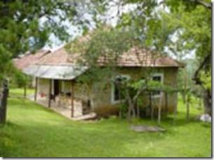 La kasa loka casa rural con cena fiesta y barra libre for Casas con piscina baratas barcelona